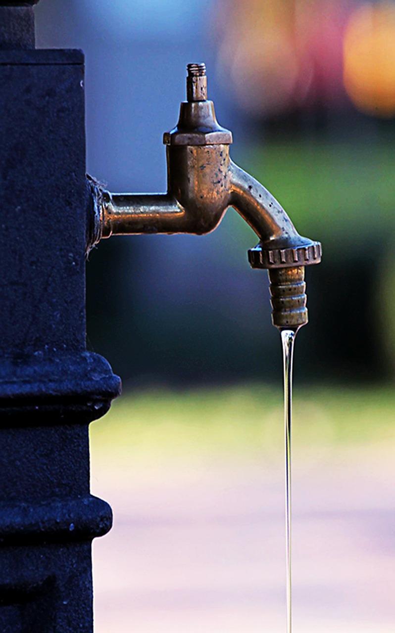 robinet-eau-goutte