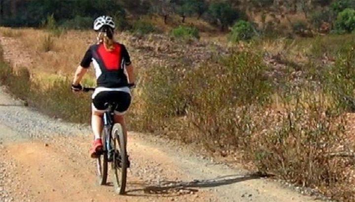 À vélo, faire la Mayenne au fil de l'eau